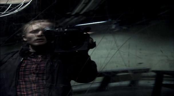 Diary of the Dead Jason se surprend alors qu'il cherche une sortie