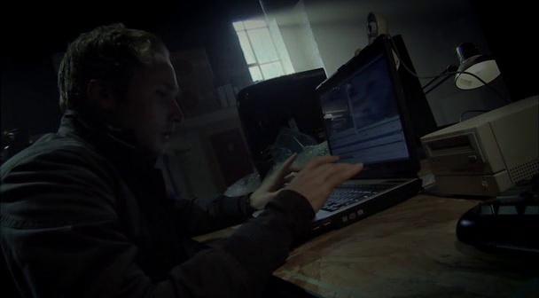 Diary of the Dead pendant qu'il monte le film, Jason laisse la camera tourner