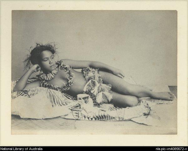 Photo 6- Le mythe de la femme polynésienne jeune fille Tongienne