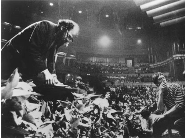 « Wholly communion » de Whitehead (1965)