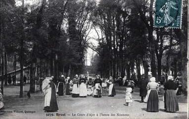 Brest – Le cours d'Ajot à l'heure des nourrices