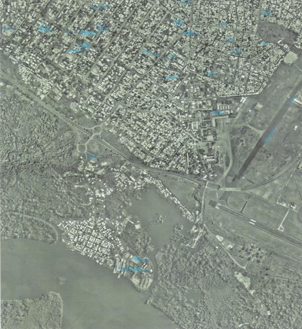 Zone aéroportuaire et Youpwe  Couverture aérienne de 2003