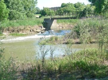 Pont, seuil et enrochements à Cheminot