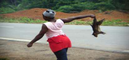 Petit commerce sur l'axe routier Yaoundé-Ayos